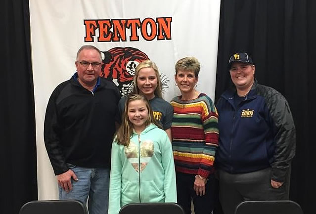 Taylor Mowery Commits to Siena Heights University