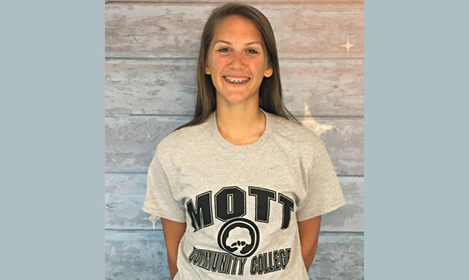 Tori Hyde Commits to Mott CC